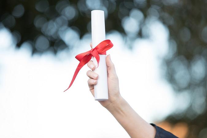Diploma do curso EAD é igual ao diploma do presencial.
