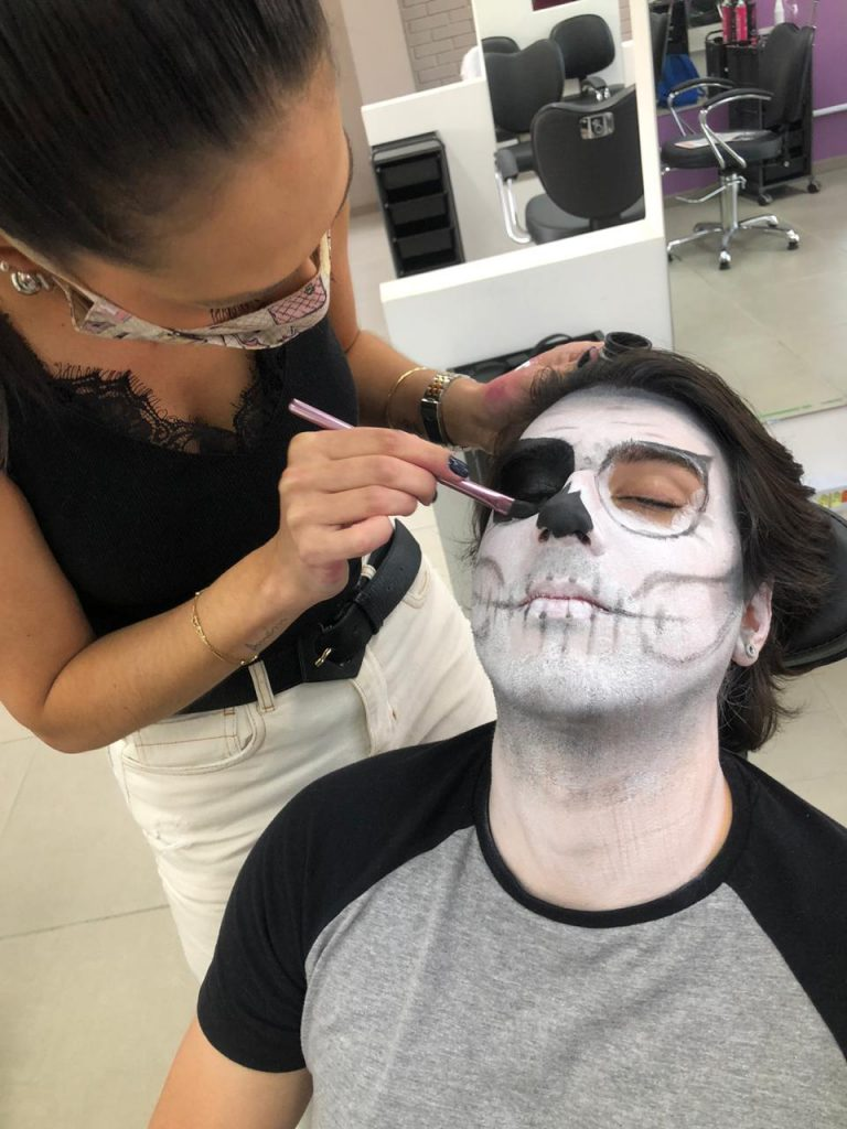 Make Halloween 4 – Caveira